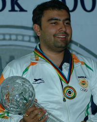 Gagan Narang win Gold medal in Pairs 10m Air Rifle and create Commonwealth Games record